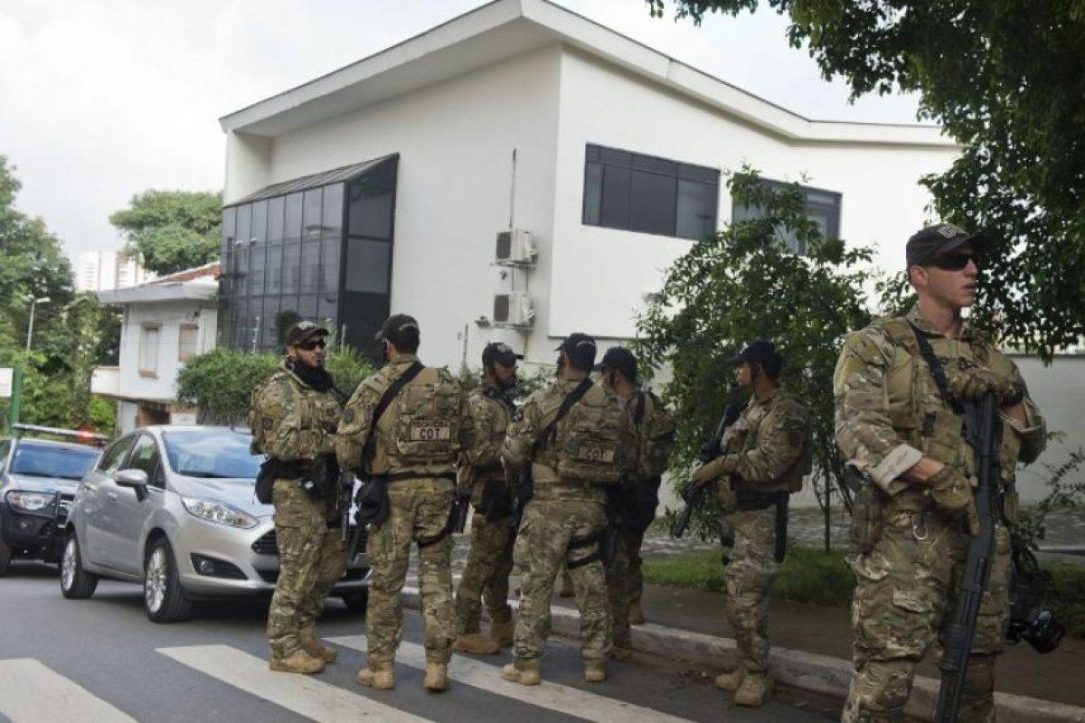 Y el expresidente detenido Foto:AFP. Imagen Por: