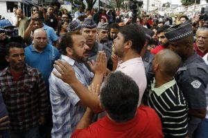 Pero, comenzaron a calentarse los ánimos Foto:AFP. Imagen Por: