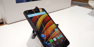 Sin miedo a caídas: llega a Chile el smartphone cuya pantalla no se rompe