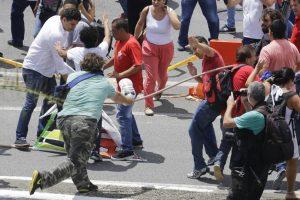 Mismos que dejaron algunos heridos Foto:AP. Imagen Por: