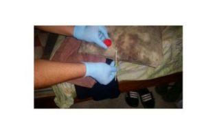 En las fotografías se puede ver ropa ensangrentada Foto:Twitter.com/ppsesa. Imagen Por: