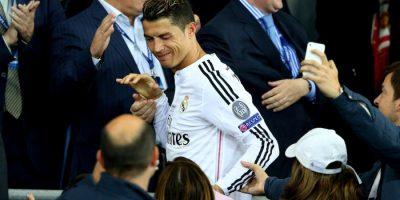 Cristiano Ronaldo desprecia aficionada que intentó pedirle un autógrafo