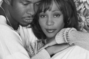 Whitney Houston tuvo una tormentosa relación con su marido, Bobby Brown. Foto:Getty Images. Imagen Por: