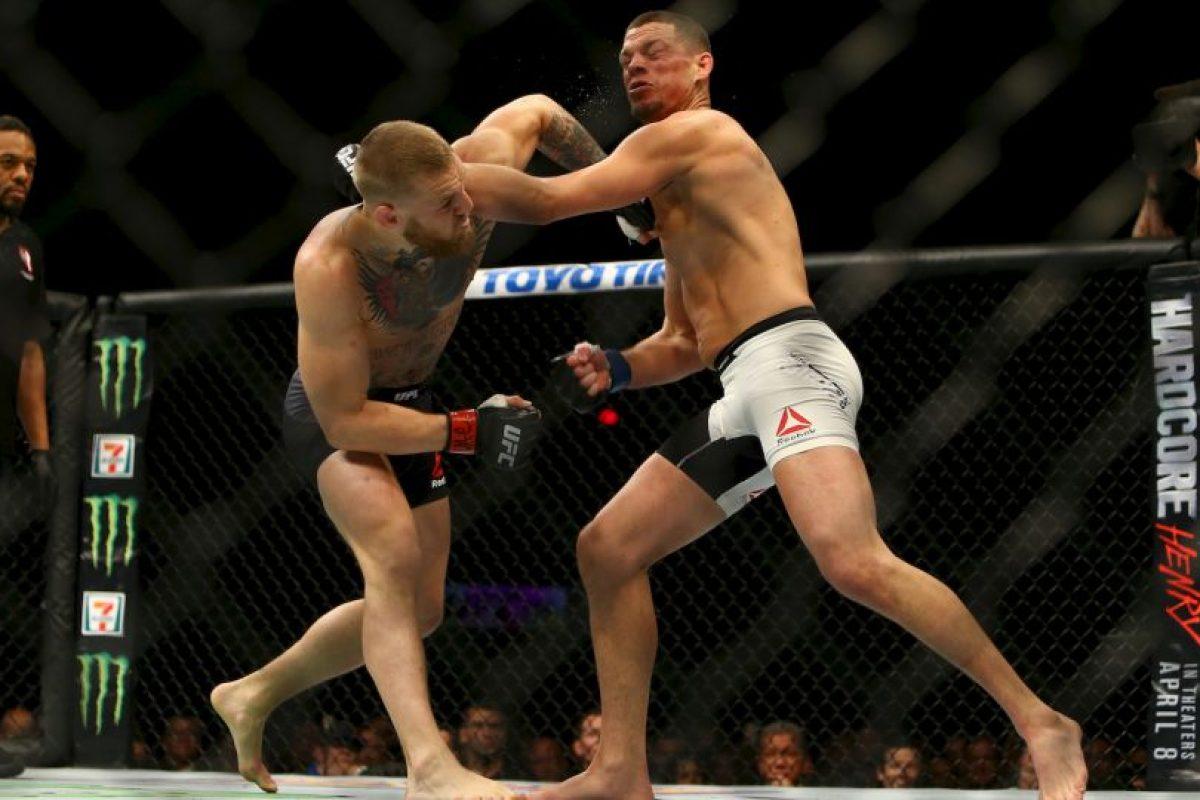 Pero Díaz sólo necesitó dos rounds para derrotar a la estrella de la UFC. Foto:Getty Images. Imagen Por: