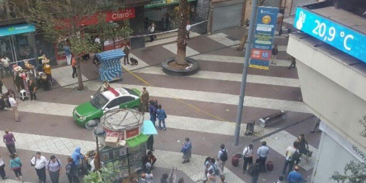 Procedimiento policial moviliza a Carabineros hasta el Paseo Ahumada