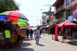 Todos los años se realizan campeonatos de Surf auspiciados por firmas y marcas ecuatorianas de deportes. Foto:facebook.com/montanitafans. Imagen Por: