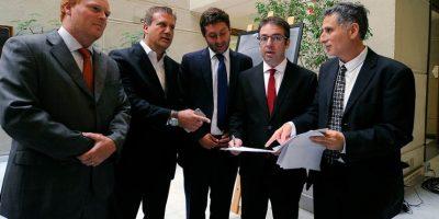 Diputados ingresan solicitud para crear Comisión Investigadora por estafa de AC Inversions