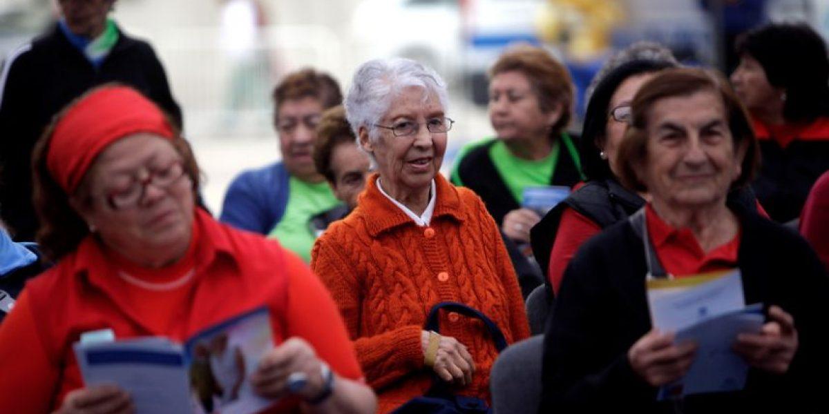 Tercera Edad: mujeres tienen mejores expectativas de vida y un rol más activo en la sociedad