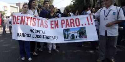 80 mil atenciones menos en el servicio público por paro del Colegio de Dentistas