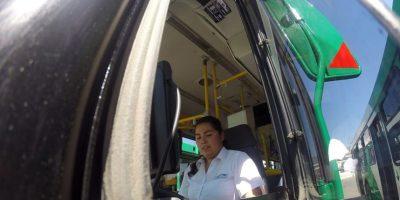 Sólo el 1,8% de conductores del Transantiago corresponde a mujeres