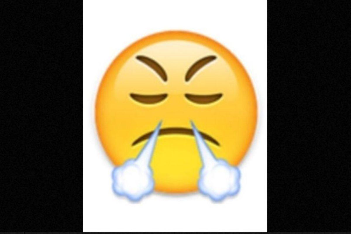 Utilizada comunmente para expresar enfado o frustración, en realidad es un rostro con mirada de triunfo Foto: emojipedia.org. Imagen Por: