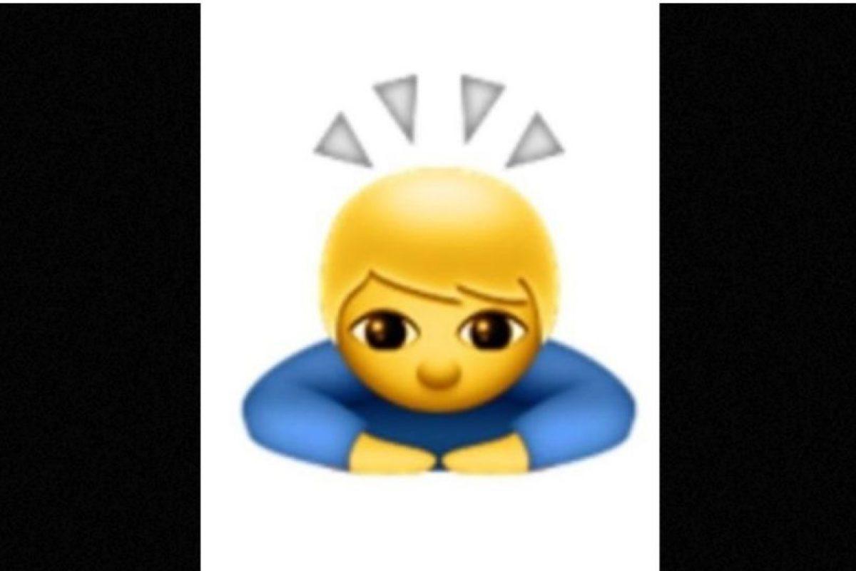 No se trata de un santo o un niño iluminado; en realidad es de origen japonés para expresar una sincera disculpa o pedir un gran favor Foto: emojipedia.org. Imagen Por: