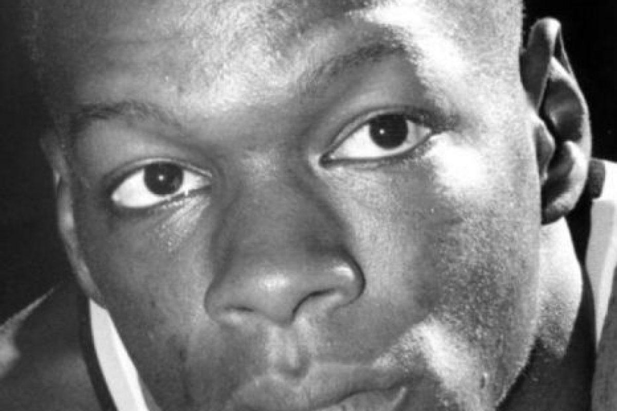 La noche del 18 al 19 de septiembre de ese año festejó con sus amigos que sería nuevo elemento de los Celtics de Boston, pero ese mismo día falleció por una sobredosis de cocaína. Foto:Twitter. Imagen Por: