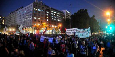 Masiva marcha por la Alameda marca conmemoración del Día Internacional de la Mujer