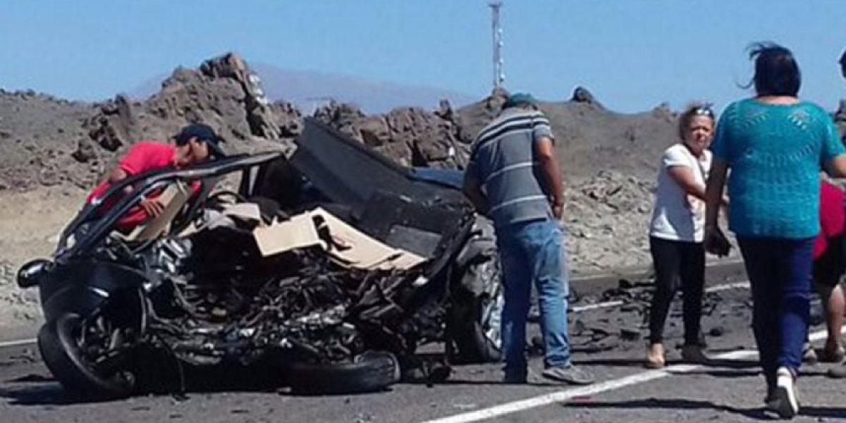 Tocopilla: colisión frontal entre bus y automóvil deja tres muertos y 12 heridos