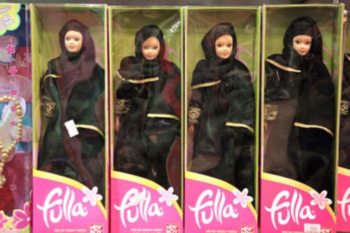 Fulla es la Barbie musulmana. Se creó en 2003. Viene en formato tradicional y con hijab menos ortodoxo para países liberales. Foto:vía MuslimToys. Imagen Por: