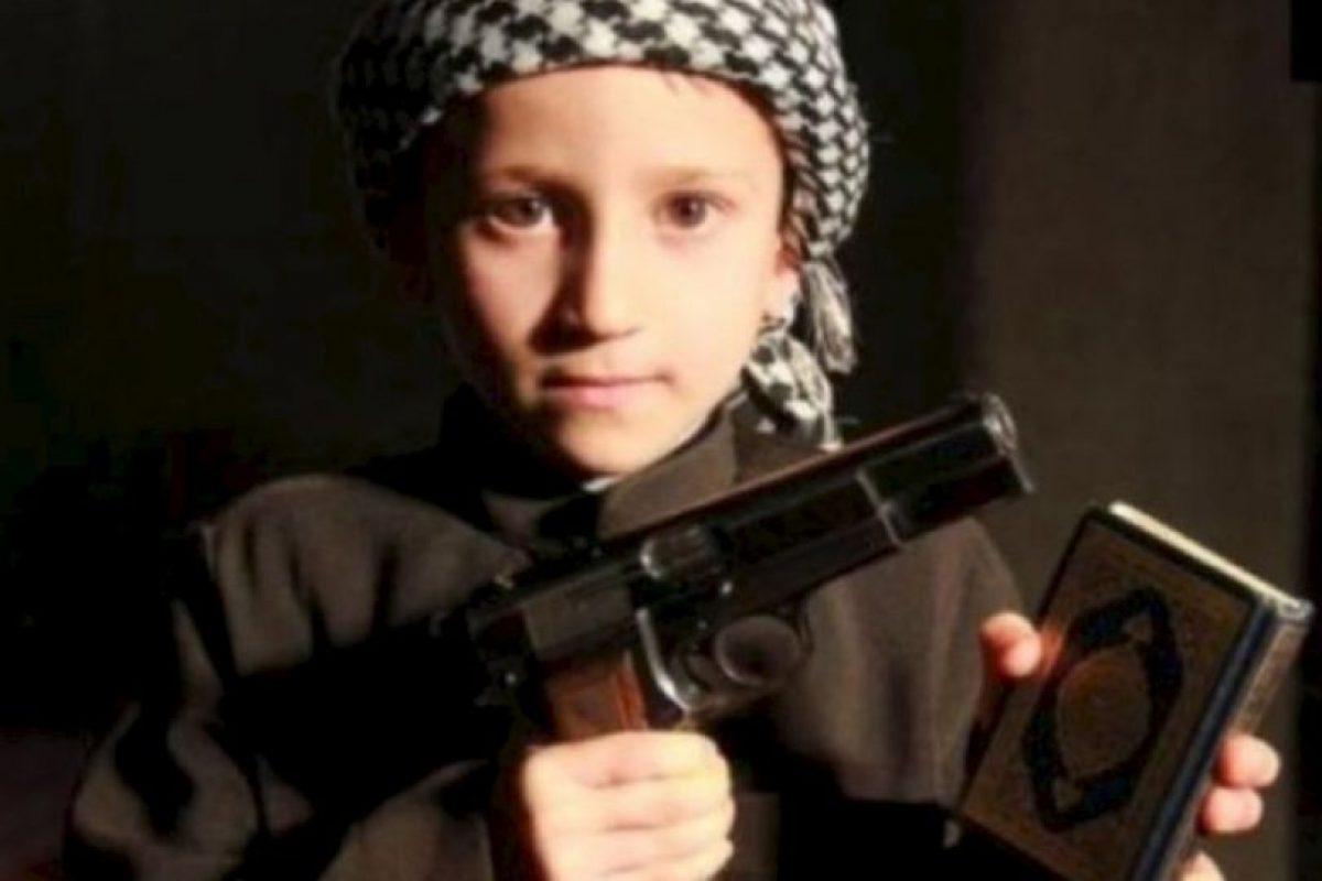Las atrocidades que EI comete con los niños Foto: Twitter.com – Archivo. Imagen Por: