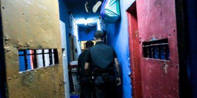 Condenan a reo tras abusar de asistente social en la cárcel
