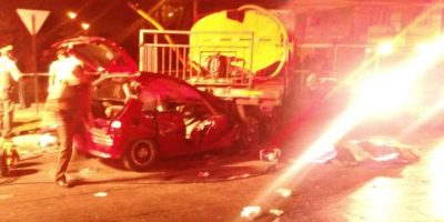 Quillota: dos muertos tras choque de auto contra un camión aljibe