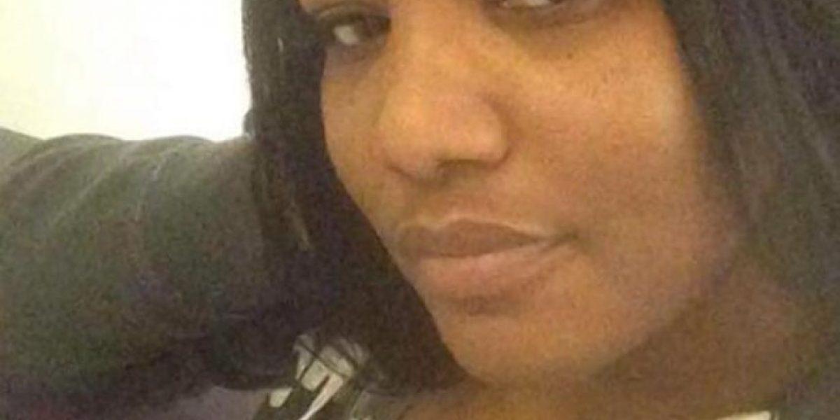 Madre publica fotos íntimas de la ex novia de su hijo porque terminaron