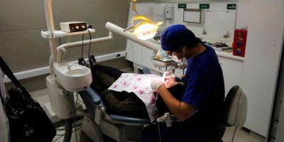 Dentistas y químicos farmacéuticos anuncian una nueva paralización