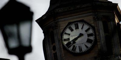 Gobierno decide implementar uso de horario de invierno por tres meses este año