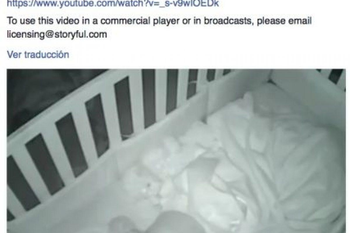 Esta pequeña se hizo viral luego que sus padres compartieran un video en la red social de ella rezando por ellos. Foto:Vía facebook.com/farfromoriginal. Imagen Por: