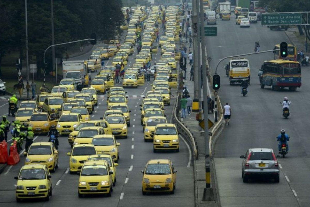 Los conductores protestan contra el sistema Uber. Foto:AFP. Imagen Por: