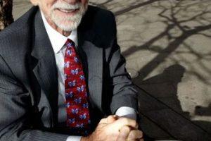 Martin Cooper, el jefe del grupo que lideró el desarrollo del DynaTAC 8000x. Foto:Archivo Getty. Imagen Por: