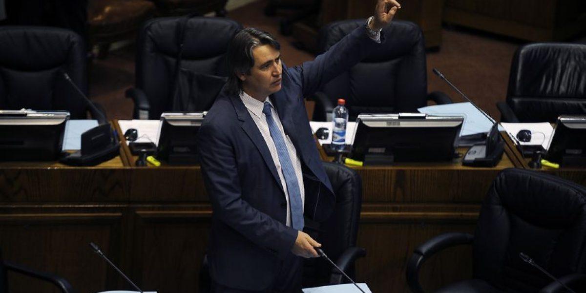 SQM: informe confirma pagos a cercanos del senador Fulvio Rossi