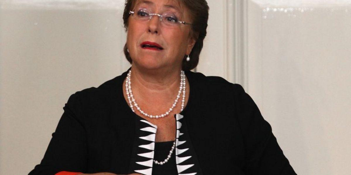 Cadem: Aprobación de Bachelet se mantiene en 23% al inicio de su tercer año de Gobierno