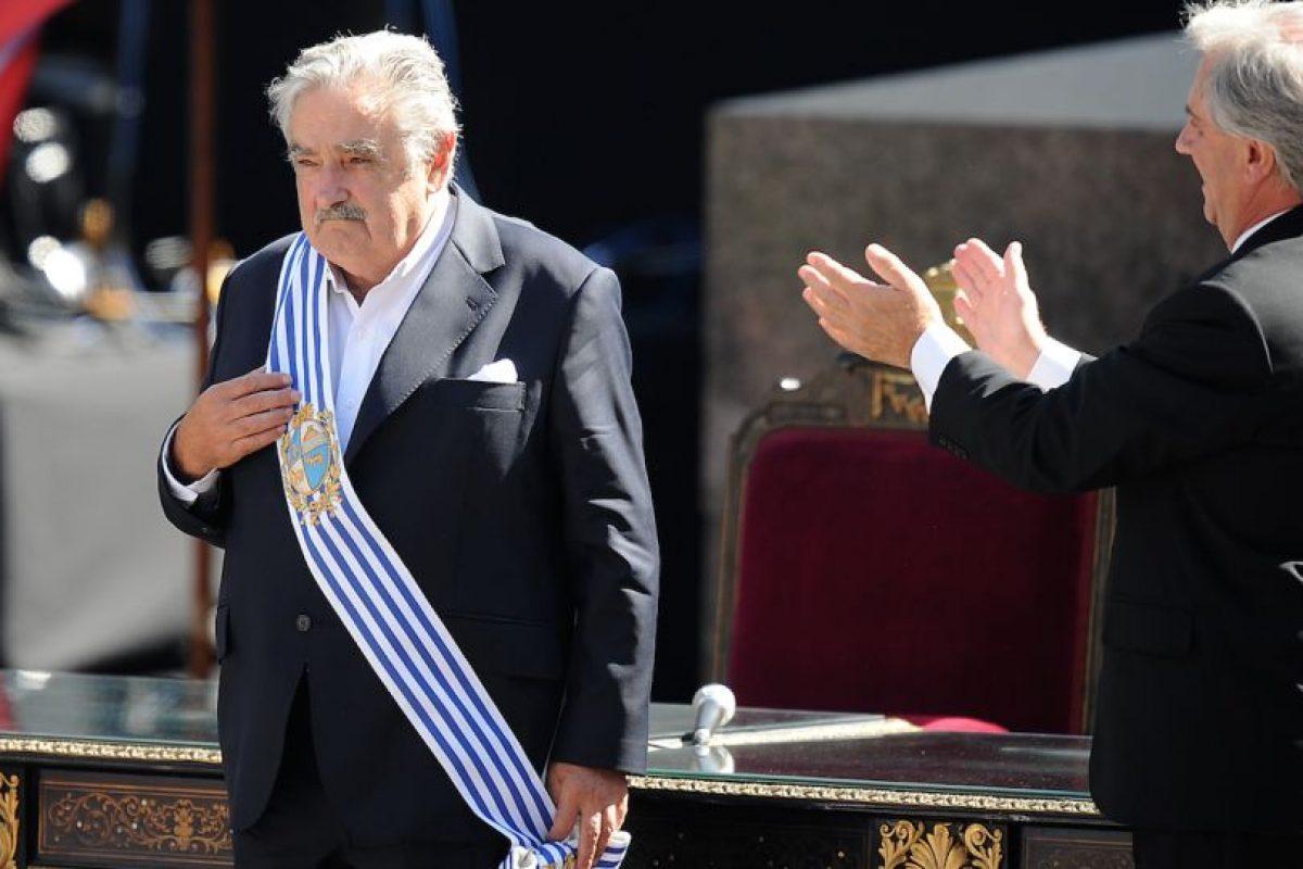 Mujica, el día en que recibió la banda presidencial de Uruguay Foto:Efe. Imagen Por: