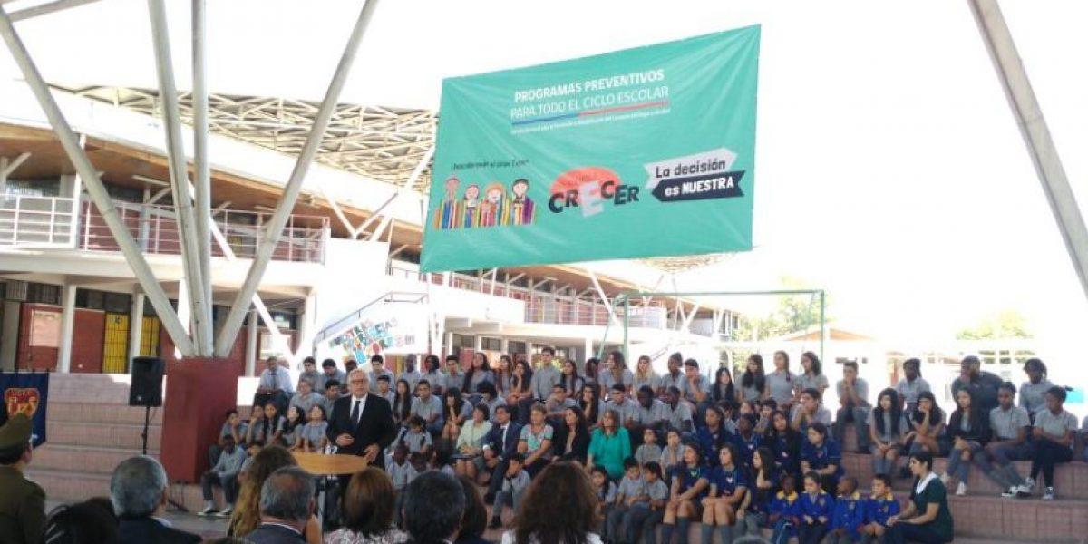 Senda y Mineduc lanzan programa de prevención de consumo de drogas y alcohol para estudiantes