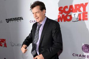 """Charlie Sheen. El actor comenzó llamando al magnate """"idiota"""", pero meses más tarde algo le pasó por la cabeza para decir que estaba con él de corazón. Foto:Getty Images. Imagen Por:"""