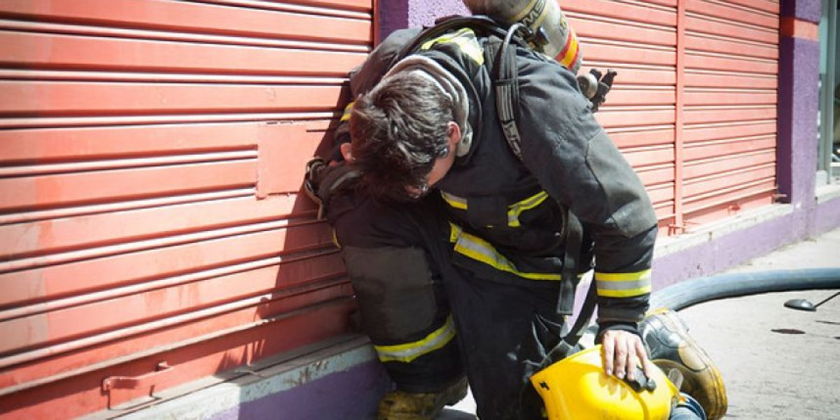 Impulsan proyecto para tipificar como delito maltrato a voluntarios de bomberos en servicio