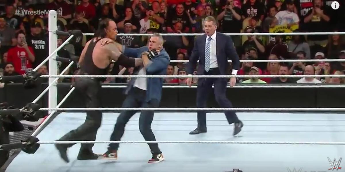 The Undertaker atacó a Shane McMahon tras recibir insultos