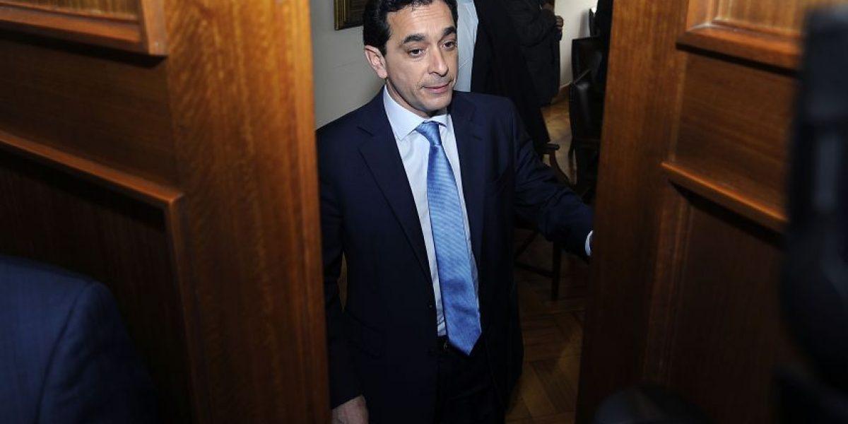 Diputado Núñez y polémico cambio de apellido a parlamentaria: varias críticas