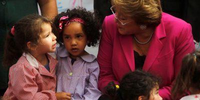 """Bachelet inaugura año preescolar: """"Es un apoyo concreto para que las madres puedan trabajar tranquilas"""
