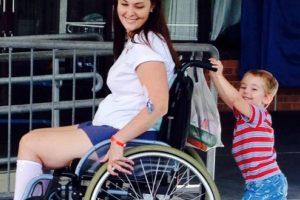 Gilchrist fue recluida al Hospital Princess Alexandra en Australia por una infección por estafilococo en su columna vertebral. Foto:vía Instagram. Imagen Por: