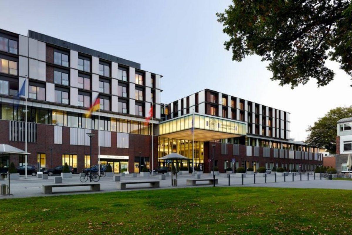 Recibió su diploma en la Clínica Universitaria Hamburg-Eppendorf, en Hamburgo, Alemania.. Foto:Vía google Maps. Imagen Por: