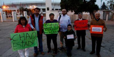 Vecinos del Estadio Nacional protestan contra hinchas y estacionamientos ilegales