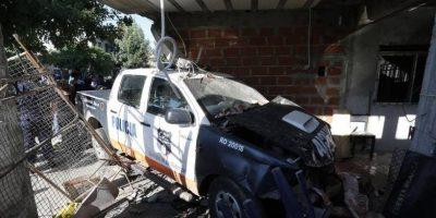 Argentina: Patrulla impacta contra vivienda y mata a joven que dormía en interior