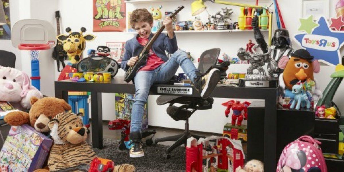 Niño de 12 años es director ejecutivo en tienda de juguetes
