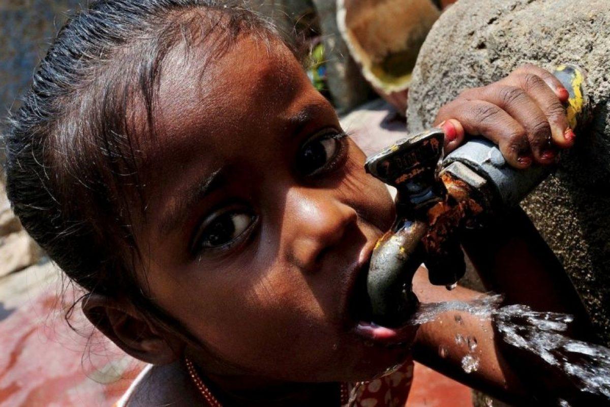Busca la manera de sacar adelante principalmente a las familias de agricultores afectados por las sequías. Foto:facebook.com/pages/Nana-Patekar. Imagen Por: