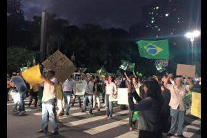 Muchos de ellos salieron a manifestarse. Foto:Vía Twitter @amigoperu76. Imagen Por: