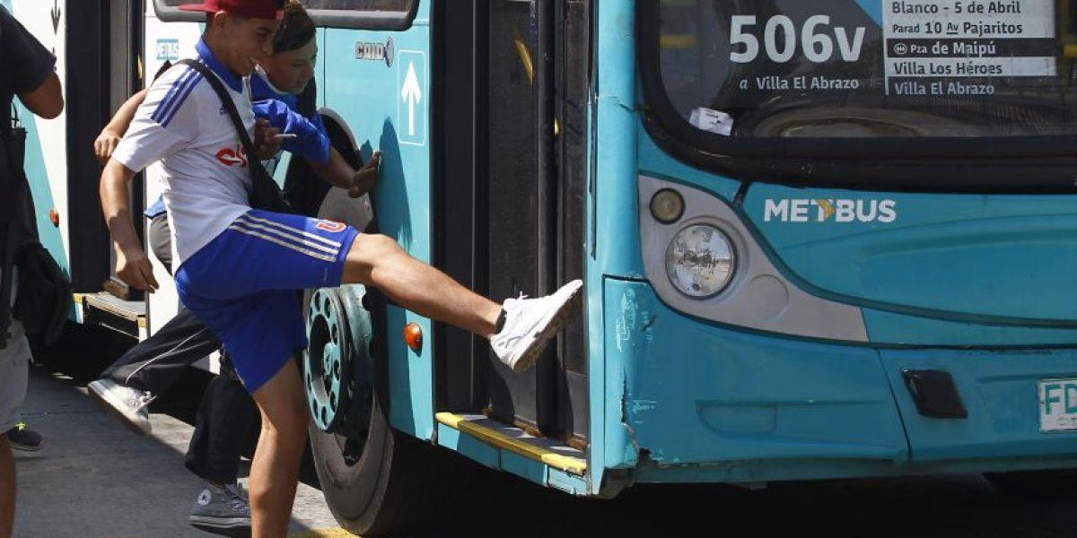 Renca: dos buses del Transantiago fueron
