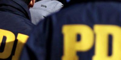 Delincuentes disfrazados de PDI asaltaron a un conductor y le robaron su vehículo