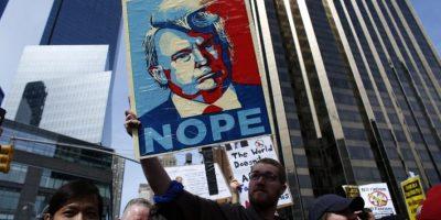 Un millar de personas protestan contra Trump en Nueva York
