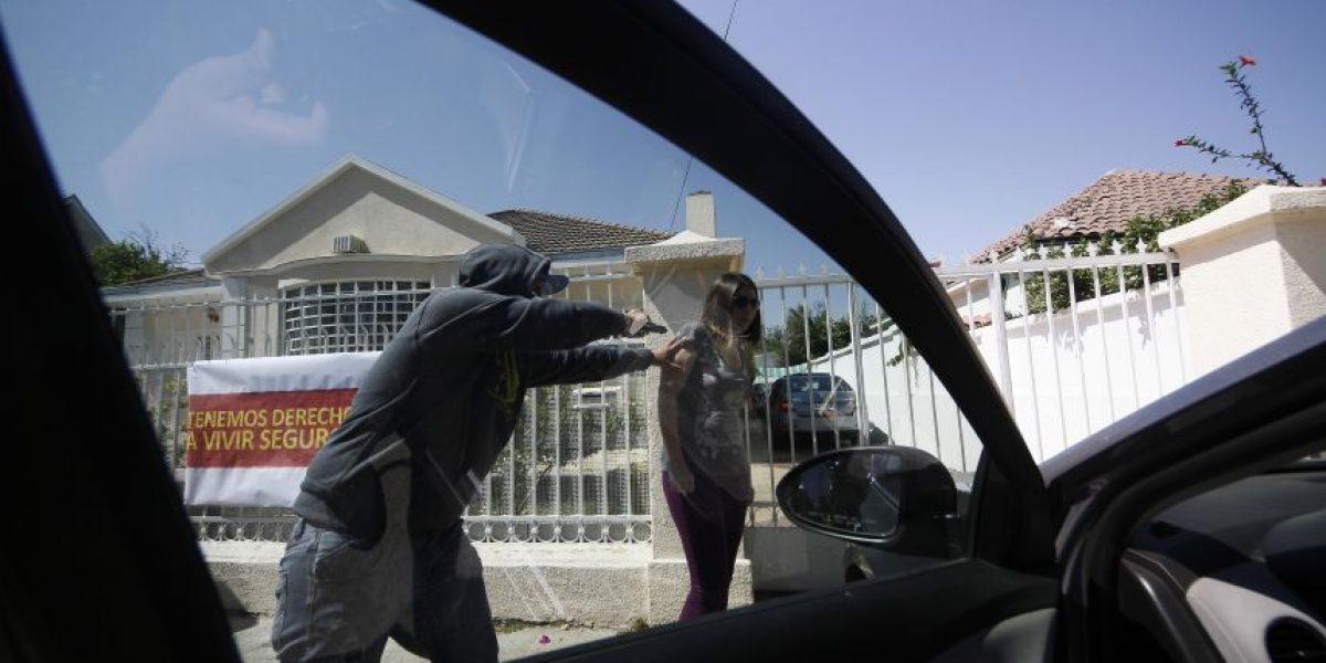 Investigan dos violentos 'portonazos' registrados en distintos puntos de la capital