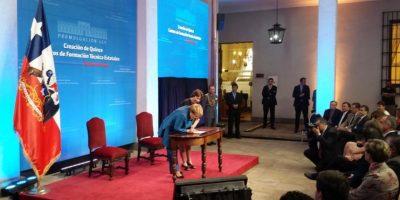 Bachelet promulga ley que crea 15 Centros de Formación Técnica estatales